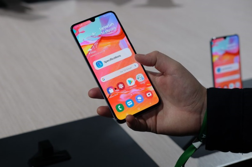 Samsung Galaxy A10s, HP Selfie 'Bokeh' Ramah Kantong